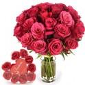 bouquet-de-roses-bonbon et pétales de bain