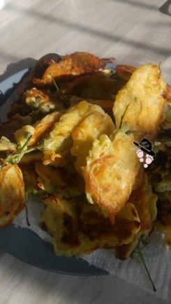 beignets de fleurs d'acacia robinier