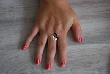 main vernis à enlever avec disques démaquillants severinecreafil.com (Copier)