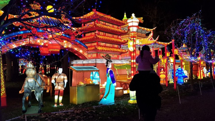 balade en famille au festival des lanternes à gaillac famille tout à dire