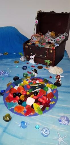 trésor pirate et bonbons haribo ile aux trésors Famille Tout à Dire